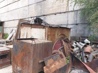 Продаю будка металлическая, мини гараж, размеры: 315х216х207