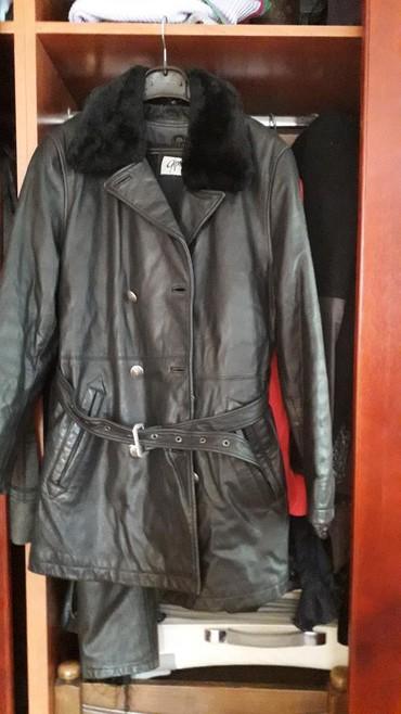 Kozna jakna sa krznom - Srbija: Zenska kozna postavljena jakna duza sa pravim krznom nije nosena br