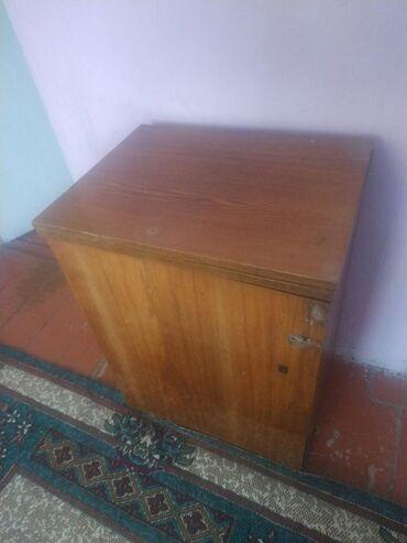 Электро швейная машинка - Кыргызстан: Продается швейная машинка Чайка.142м Б/у