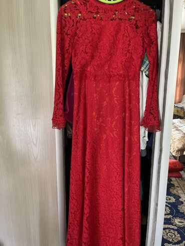 Гипюровое платье продам брала намного дороже! Состояние хорошее!