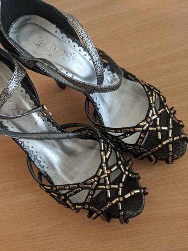 Sandale eros jednom obuvene