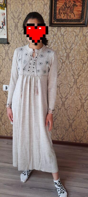 турецкое платья со стразами в Кыргызстан: Продаю очень красивое турецкое платье. Размер М. Ткань трикотаж. 1