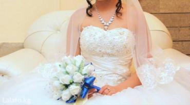 Срочно продаю платье, одевала один раз на свою свадьбу. цвет ivory