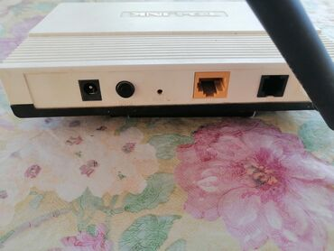 Электроника в Гобустан: Продаю модем очень хорошо работает покупал за 30 ман продаю за 20