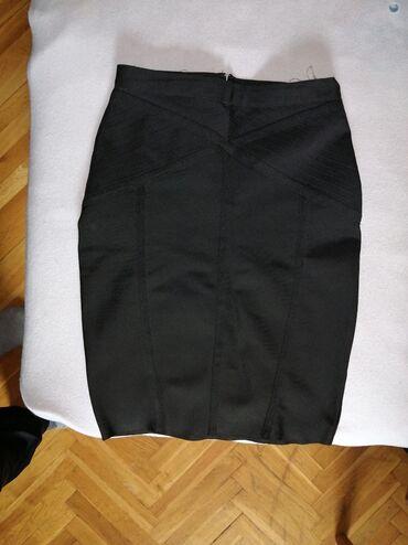 Svileni suknja - Srbija: Duboka suknja, idealna za svsku piliku, ide uz telo, velicina M. BEZ O