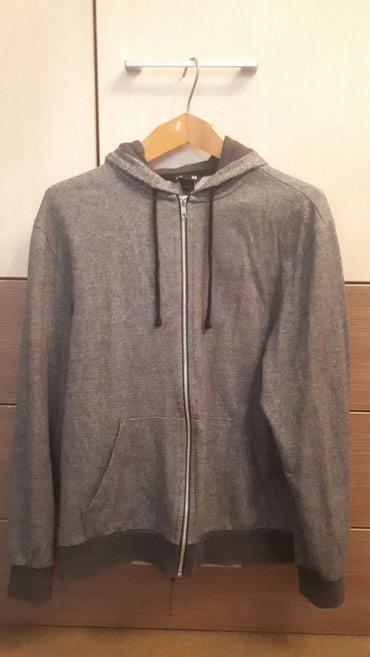 Продаю кофту H&M серого цвета в отличном состоянии (размер М) в Бишкек