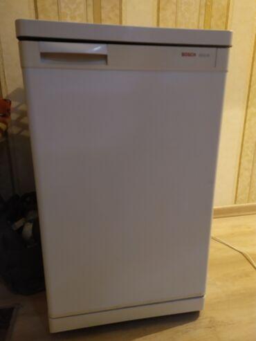 Холодильники - Кыргызстан: Б/у Однокамерный Белый холодильник Bosch