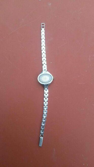 Gümüşü Qadın Qol saatları