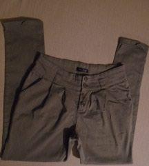 Nošene, bez oštećenja, moderne, ženske pantalone, m veličine. - Belgrade