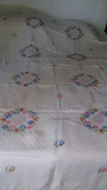 Скатерть на раскладной стол или покрывало из льна с ручной вышивкой