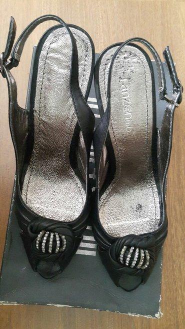Sumqayıt şəhərində туфли босоножки.38размер.чистая кожа.покупалась очень дорого