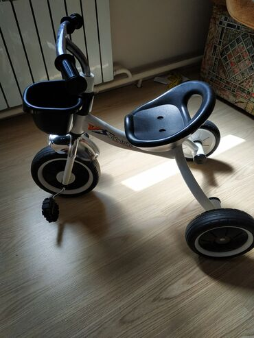 Детский мир - Каракол: Продаю детский велосипед. На 1.5 до 4 лет. Новый, не б.у . Очень