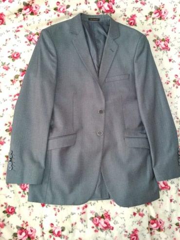 Продаю итальянский брючный костюм на в Бишкек