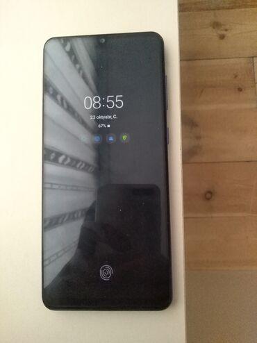Samsung Galaxy A31 4 Ram 64 Yaddas Əla Vəzyətdə nöqtə belə cızığı