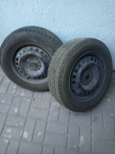 Зимние шины 195/15/65 4 пара,дис металл, хорошее состояние.95%