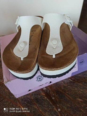 Zenske papuce kupljene u Grckoj, nikad nosene, broj 37