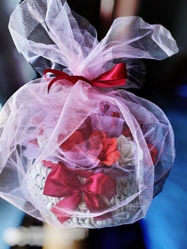 Подарочные розы в корзиночках Порадуйте своих родных и близких