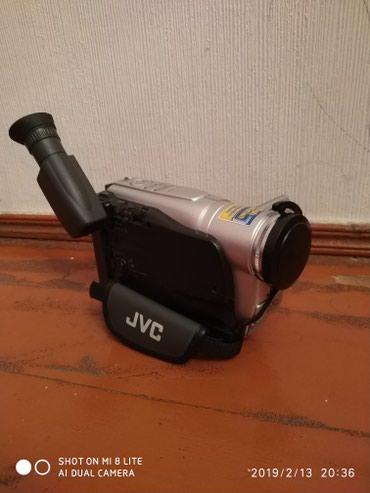 JVC el kamerası az işlənib (batareyası ölüb) в Bakı