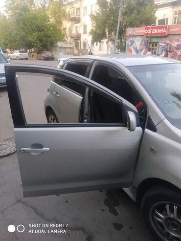 тойота ист в Кыргызстан: Toyota ist 1.5 л. 2002 | 231000 км