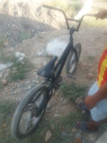 Продаю велосипед BMX 2500 торг у капота возможно обмен на телефон в Бишкек