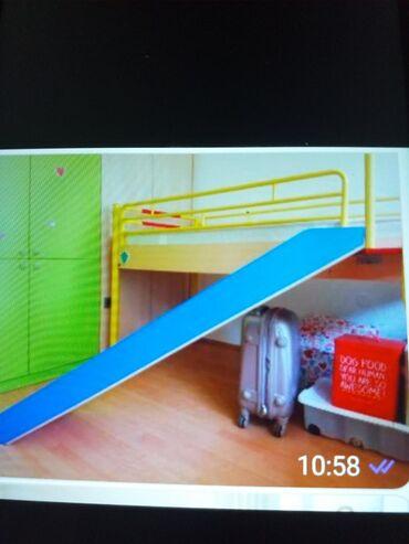 Krevet na sprat - Srbija: Deciji drveni krevet na sprat sa toboganom, placen 1000 e, nov ocuvan