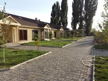 """Продаем коттеджи в пансионате """"Лагуна в Бишкек"""