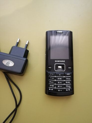 Samsung d780 - Azərbaycan: Samsung D780 hec bir problemi yoxdur adapdiri var