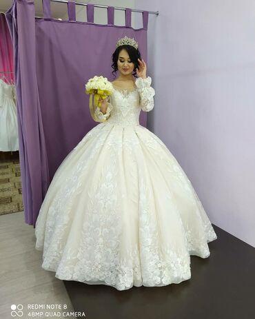 Свадебные платья - Токмак: Сдается свадебное платье! Размер 42-48 платье шикарное очень пышное