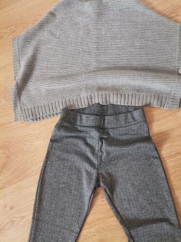 Dva para prelepih pantalona, jedne zvonarice, jedne cigovane i ponco