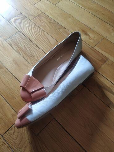 36 размер в Кыргызстан: Продаются совершенно новые кожаные балетки от Carlo Pazolini) 100%