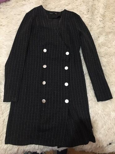 винтажные платья в Азербайджан: Paltar M/L bir defe geyilib 22 azn yenidir demek olar