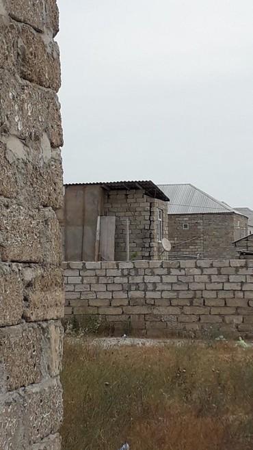 Bakı şəhərində Tecili Savxoz binede 160nöm marşurutun axirinan biraz iceri ilkin