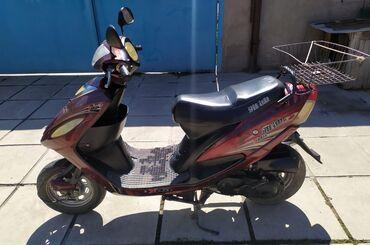 Мотоциклы и мопеды - Кемин: Продаю 4-х тактный скутер!!В хорошем состоянии. Сел поехал!!Скутер