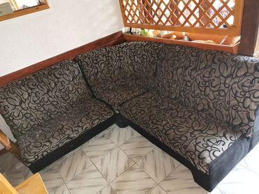 Nameštaj - Smederevska Palanka: Ugaona garnitura sa foteljom i tabureom, korišćeno oko godinu dana, u