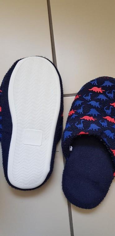 Dečije Cipele i Čizme - Nis: Papuce za decu sa dinosaurusima, br 34/35, kao nove imam puno obuce i