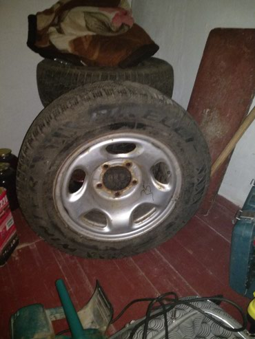 Продаю R16===235x60 комплект.. Зимние шины в Массы