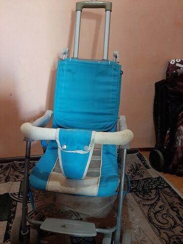 Детский мир - Ош: Продается коляска б/у легкая удобная в хорошем состоянии