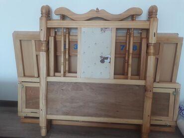 dvuhjarusnaja-krovat-dlja-detej-i в Кыргызстан: Продается детская кровать снизу есть полочка для вещей (дерево