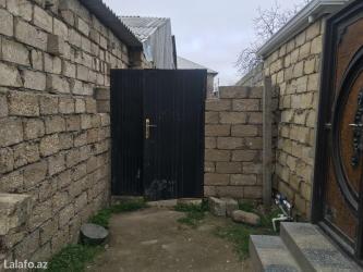 Bakı şəhərində Unvan zabrat 2 qesebesinde 7 sot torpaq icinde 2 eded ev. 1 ci evin