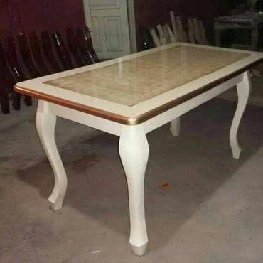 Qonaq otaqı üçün masa.Masa açılandır.Masanın ayaqları meşə ağacından