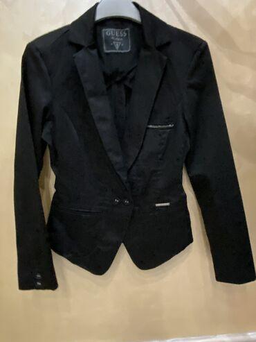 Sako crne boje - Srbija: Guess sako u vrlo kvalitetnom stanju malo nošenXS veličina crne boje
