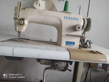 Бытовая техника - Кыргызстан: Продаю швейную машинку прямострочка(трех фазка)но можно сделать на