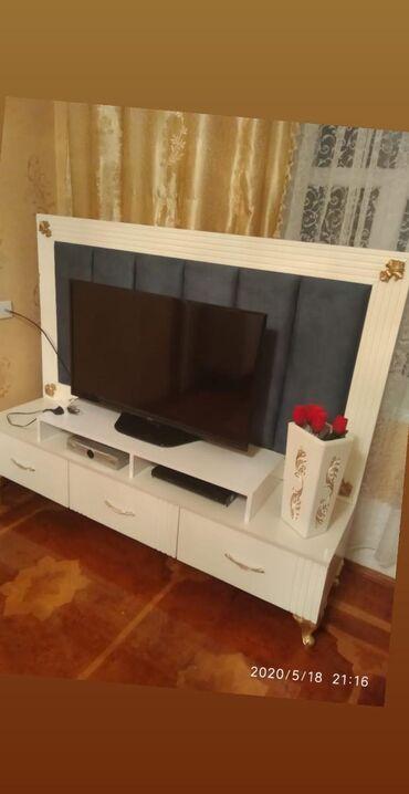 TV stend 200manata satılır.unvan:Pisagi//Günay