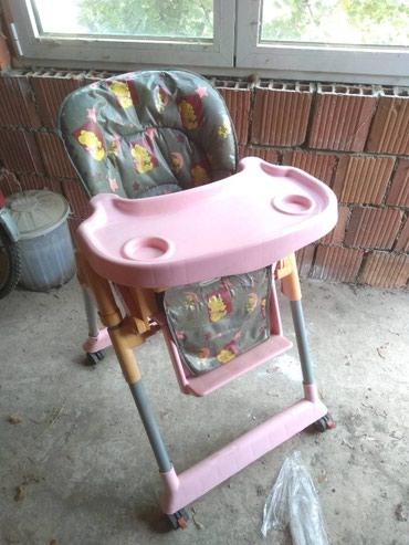 Nameštaj - Vrsac: Stolica za hranjenje u odlicnom stanju
