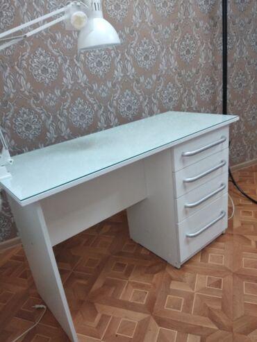 Продаю стол для маникюра!!!Б/у состояние хорошее!