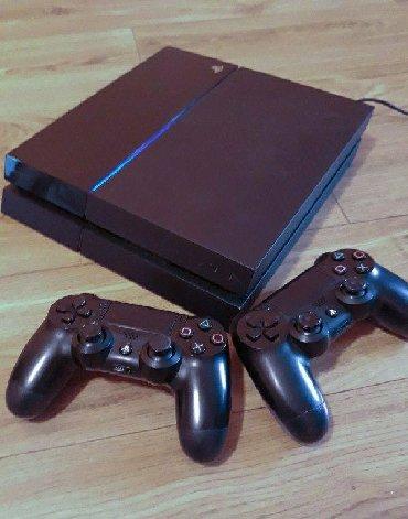 best playstation 2 games в Кыргызстан: PS4 500gb, и 10 игр, 2 джойстикаСписок игр: ufc 3fifa19metro last
