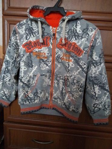 Продаю куртку (осенняя)в отличном состоянии,примерно на 6лет в Бишкек