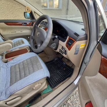 Toyota Ipsum 2.4 л. 2003 | 137000 км
