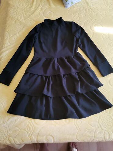 Asus p750 - Srbija: Potpuno nova crna haljina, samo probana. Narucena nedavno. Materijal