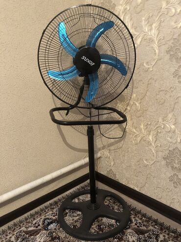 Продаю вентилятор в отличном состоянии от производителя Sundy . мощны